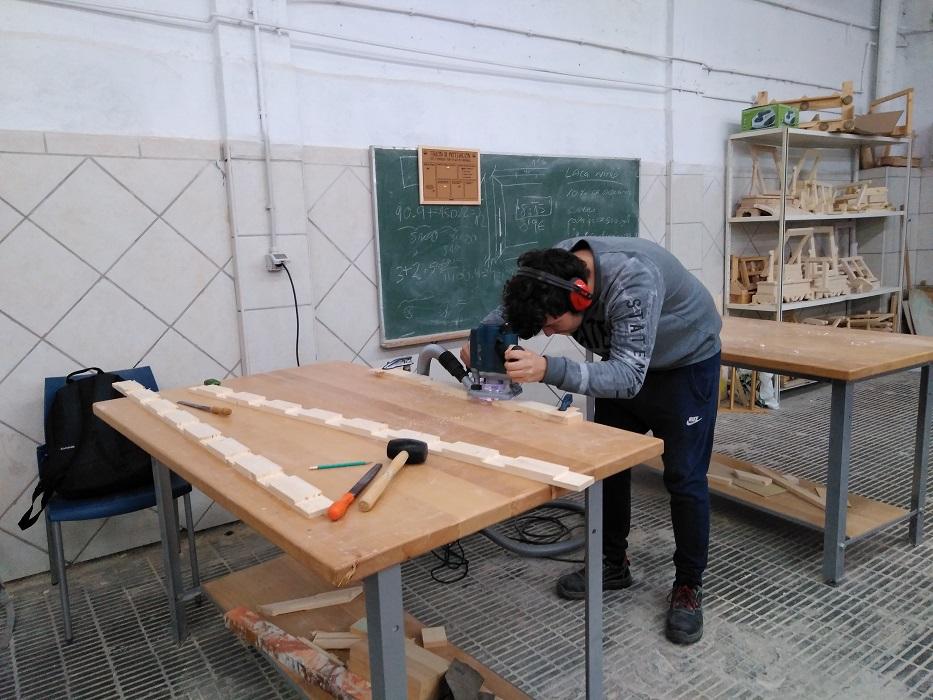 Cicle de fusta, moble i suro